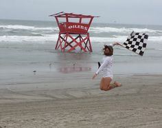Flag girl Sara Francello defying gravity, The Race Of Gentlemen, NJ, 2014 Drag Racing, Auto Racing, Checkered Flag, Racing Motorcycles, Kustom Kulture, Vintage Racing, Le Mans, Race Cars, Old School