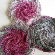 Yarn packages for cloth made of hexagonal spirals, Knitting Charts, Lace Knitting, Knitting Stitches, Knitting Patterns, Crochet Patterns, Crochet Motif, Knit Crochet, Sewing Clothes Women, Shawl Patterns