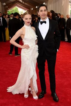 Pin for Later: Seht alle Stars bei der Met Gala Amanda Seyfried und Justin Long