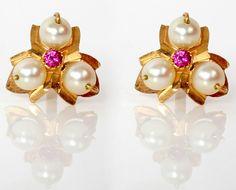 :: PNG ::MOTI earrings
