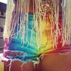 tie dye apparel - In this video, Andreas Choice shows viewers how to easily turn a pair of old jeans into rainbow shorts. Tie-dye apparel is no longer a fad; Hippie Style, Hippie Boho, Hippie Life, Gypsy Style, Bohemian Style, Bohemian Lifestyle, Bohemian Jewelry, Looks Style, Looks Cool