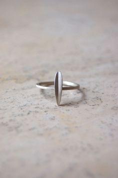 Tiny Long Leaf Ring
