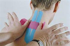 La cinta Kinesio es una cinta adhesiva desarrollada por un médico japonés. Refuerza los músculos y las articulaciones sin restringir el movimiento. #fisioterapia #salud