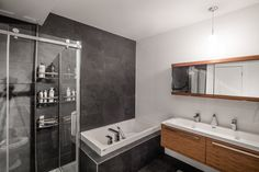 Salle de bain KnighsBridge Bathroom Lighting, Bathtub, Mirror, Design, Furniture, Home Decor, Real Estate Development, Bath, Bathroom Light Fittings