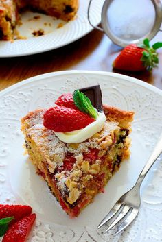 Delicious and very moist Strawberry and Dark Chocolate Cake Raspberry Syrup Recipes, Dark Chocolate Cakes, Recipe Box, Avocado Toast, Food To Make, Strawberry, Cooking, Breakfast, Drink