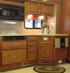 2011 Used Holiday Rambler Neptune 40PBQ Class A in Texas TX.Recreational Vehicle, rv, 2011 Holiday Rambler Neptune 40PBQ, 2011 Holiday Rambler Neptune PBQ 41' Motorhome. Class A Diesel Pusher. Cummins ISC 360 HP Diesel Engine. Onan 8.0 kW Quiet Diesel Generator. 2000-watt Inverter. Equipped with a Garmin GPS and three cameras. Roadmaster RR8R-series chassis. Allison 3000-MH6 speed world transmission. Automatic Hydraulic Leveling System. Four slides. Full Pass Thru slide out tray. Polished…