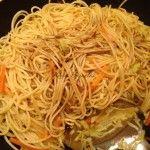 Kínai zöldséges tészta | mókuslekvár.hu Spaghetti, Ethnic Recipes, Food, Essen, Meals, Yemek, Noodle, Eten