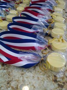 Olympic gold medal oreos Www.facebook.com/SweetUOffYourFeet