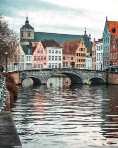 & this amazing shotby Location: Bruges Places Around The World, Oh The Places You'll Go, Travel Around The World, Places To Travel, Travel Destinations, Places To Visit, Travel Tips, Travel Essentials, Solo Travel