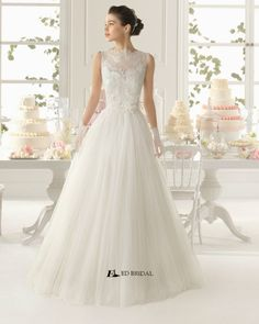 2015 New Collection Ball Gown Lace Appliqued Floor-length Cheap Wedding Dress