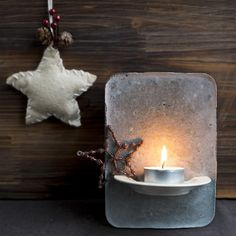 DIY decoration.Is a beautiful object that fits into a very modern or rustic decor. Is made of cement.(in Dutch)