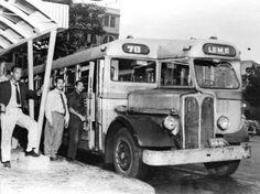 """Ônibus Ácio - 1955 O ônibus da foto percorria a antiga linha 70 - Estrada de Ferro-Leme, nos anos 50. Tinha mecânica Aclo, inglesa, e foi apelidado pelo povo como """"Camões"""". Pertencia à empresa Viação Copanorte."""