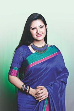 Bengali Cinema ©: Bengali actor and model Porimoni. Beautiful Saree, Beautiful Indian Actress, Beautiful Actresses, Beauty Full Girl, Beauty Women, Long Indian Hair, Lehnga Dress, Saree Models, Stylish Girls Photos