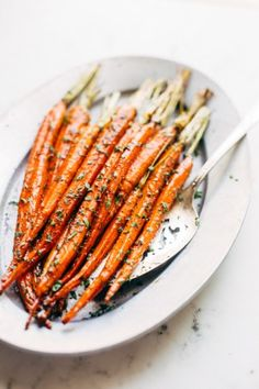 Brown Butter Honey Glazed Carrots - they might sound difficult but this is the easiest side dish! #brownbutter #honeyglazedcarrots #glazedcarrots | Littlespicejar.com