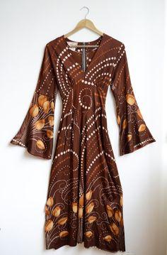 Vestido psicodélico anos 70