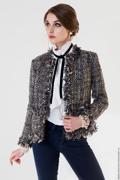 Tweed jacket and black neck ties Black Tweed Jacket, Chanel Tweed Jacket, Chanel Style Jacket, Boucle Jacket, Fashion Mode, Work Fashion, Fashion Looks, Fashion Outfits, Womens Fashion