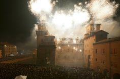 L'incendio del #CastelloEstense di #Ferrara a #Capodanno