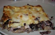 Lasagne al radicchio - Le lasagne al radicchio sono un primo piatto assolutamente delizioso, un'alternativa golosa alle classiche lasagne al ragù, useremo anche la scamorza che come sappiamo con il radicchio rosso si sposano a meraviglia.