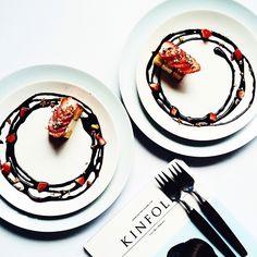 Strawberry cake with chocolate sauceデザートをどうぞ♡ #kinfolk #kinfolkmag #dessert #sweets #cake #デザート #スイーツ #おうちカフェ