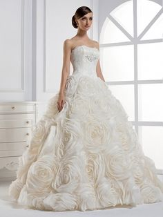 This dress is just super amazing!