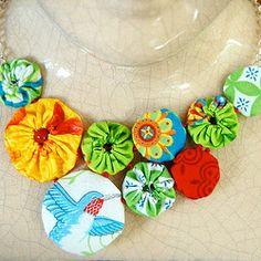 A yo-yo necklace . . . I need one!