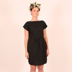 Vietto pellavamekko, musta Short Sleeve Dresses, Dresses With Sleeves, What To Wear, Dresses For Work, Sewing, Diy, Fashion, Gowns With Sleeves, Moda