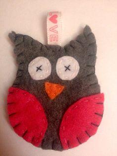 Felt owl keychain https://www.etsy.com/listing/185335638/felt-owl-keychain