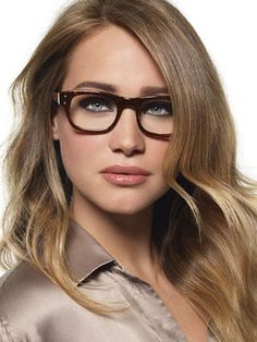 What kind of eye make up do you wear with glasses? I've always wondered!