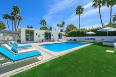 Las Palmas Oasis by H3K Design (awesome Mid-Century style backyard)- love all the concrete around pool