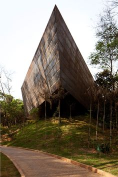 Galeria Miguel Rio Branco. Arquitetos Associados. Inhotim, Brumadinho, Minas Gerais, Brasil. 2008-2010.
