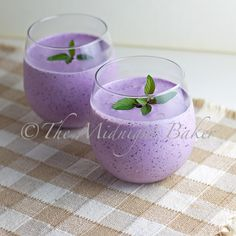 Blueberry Creme Smoothie •1 cup Greek yogurt •1/2 cup milk •1 cup frozen or fresh blueberries •1 tsp flaxseed oil (optional) •1/4 cup sugar, honey, agave, stevia, etc. (optional)