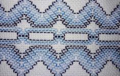 Toalha de Rosto bordada em Vagonite no Elo7 | Joca Bordados (F3C91E) Swedish Embroidery, Swedish Weaving, Weaving Patterns, Bohemian Rug, Needlework, Towel, Stitch, Blanket, Rugs