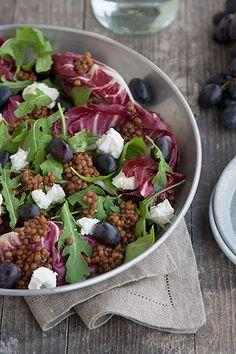 Insalata con lenticchie, uva e caprino (lentils, grape and goat cheese salad)