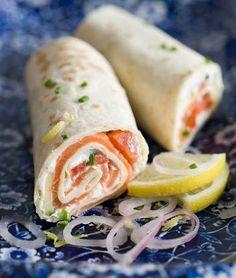 Wrap au saumon notre recette facile et rapide de Wrap au thon sur… Salmon Wrap Discover our quick and easy tuna wrap recipe on Cuisine Actuelle! Find the preparation steps, tips and advice for a successful dish.