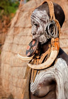 Photograph Mursi tribe - Ethiopia by Carlos Cass on - world cultures Africa Tribes, Africa Art, Out Of Africa, Africa Painting, People Need The Lord, People Around The World, Arte Tribal, Tribal Art, Mursi Tribe