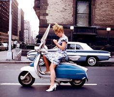 1965 New York scooter girl. (From 'New York in Color' by Bob Shamis) Robert Frank, Scooter Girl, Vespa Girl, Retro Scooter, Henri Cartier Bresson, William Eggleston, Charles Rennie Mackintosh, Scooters, New York City