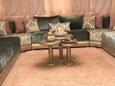 salon marocain 2017 الصالون المغربي - YouTube Sofa Set Designs, Sofa Design, Interior Design, Moroccan Room, Moroccan Interiors, Home Room Design, Living Room Designs, Living Room Sofa, Living Room Decor