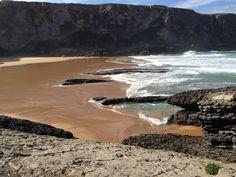 Playa de Antuerta Bareyo, Cantabria. Fotografía realizada por Social Izan, empresa de Marketing Online y Posicionamiento web, especialistas en presencia en internet. Socializan.es