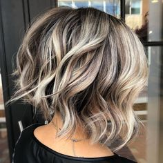 70 Fabulous Choppy Bob Hairstyles Inverted Wavy Bob with Shaggy Ends Medium Bob Hairstyles, Straight Hairstyles, Hairstyles 2018, Short Haircuts, Wedding Hairstyles, Braided Hairstyles, Textured Bob Hairstyles, Inverted Bob Hairstyles, Celebrity Hairstyles