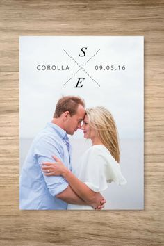 Adore this minimalistic wedding invitation with a simple wedding monogram!