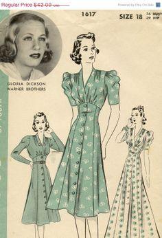 ON SALE 1930s Hollywood 1617 Vintage Dress by GreyDogVintage, $31.50