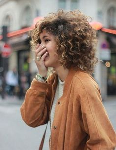 Pretty short hairstyles ideas for curly hair 2017 04