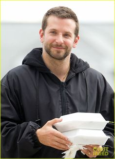 Aaw that smile :') Bradley Cooper Baby, Brad Cooper, Good Looking Men, A Team, Sexy Men, Actors, Mamma Mia, Guys, Moustaches