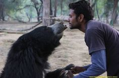 A #rescuedbear at the #AgraBearRescueFacility gets some winter love from his keeper! Hope you had a warm #Christmas!!!