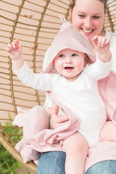 Baby's Only Sparkle baby toddler nursery decor decoration glitter pink hooded blanket Discover the beautiful things from Baby's Only at Villa Sternenstaub! Baby Design, Babys Only, Hooded Blanket, Room Colors, Baby Room, Nursery Decor, Car Seats, Kids Room, Infant