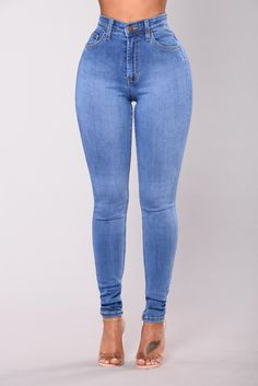Fashion Nova has the best selection of women's high waisted jeans online. From high waisted flare jeans to high waisted skinny jeans and distressed denim to boyfriend high rise jeans, you'll find it all here. Perfect Jeans, Cute Jeans, Blue Skinny Jeans, Ripped Jeans, Denim Jeans, Jeans Pants, Cargo Pants, Jean Moda, Legging Jean