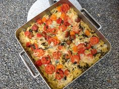 Macaroni casserole with mozzarella and anchovy Spinach Mushroom Lasagna, Spinach Stuffed Mushrooms, Stuffed Peppers, Pot Pasta, Pasta Bake, Mozzarella, Anchovy Recipes, Macaroni Casserole, Baked Pasta Recipes