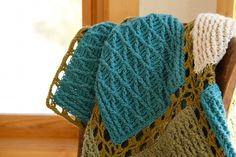 Free afghan pattern and free Craftsy Class #crochet #afghan