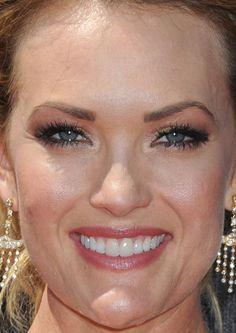 Close-up of Amy Purdy at the 2015 ESPY Awards. http://beautyeditor.ca/2015/07/18/espy-awards-2015