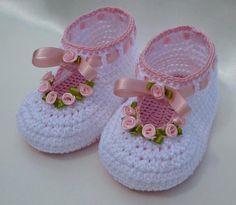 Aprende mas de los bebés en somosmamas.   http://www.somosmamas.com.ar/bebes/los-bebes-y-la-vista/